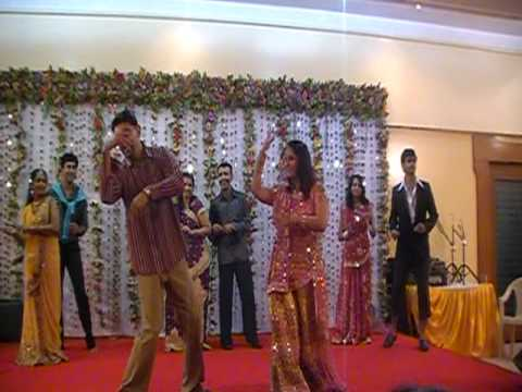 couples dance at ratis wedding, phir milenge chalte chalte