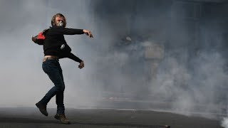 Réforme du Code du travail : des heurts dans la manifestation à Paris