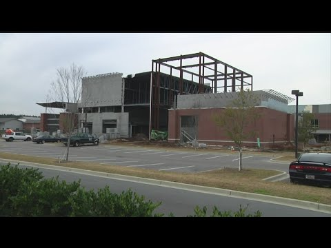 New Rollings Middle School of the Arts move-in delay