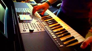 Berry Blue Eyes - Review Yamaha psr-S950 - one man band keyboard