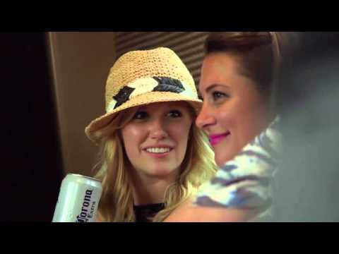 Kip Moore plays for fans on his tour bus | Rare Country