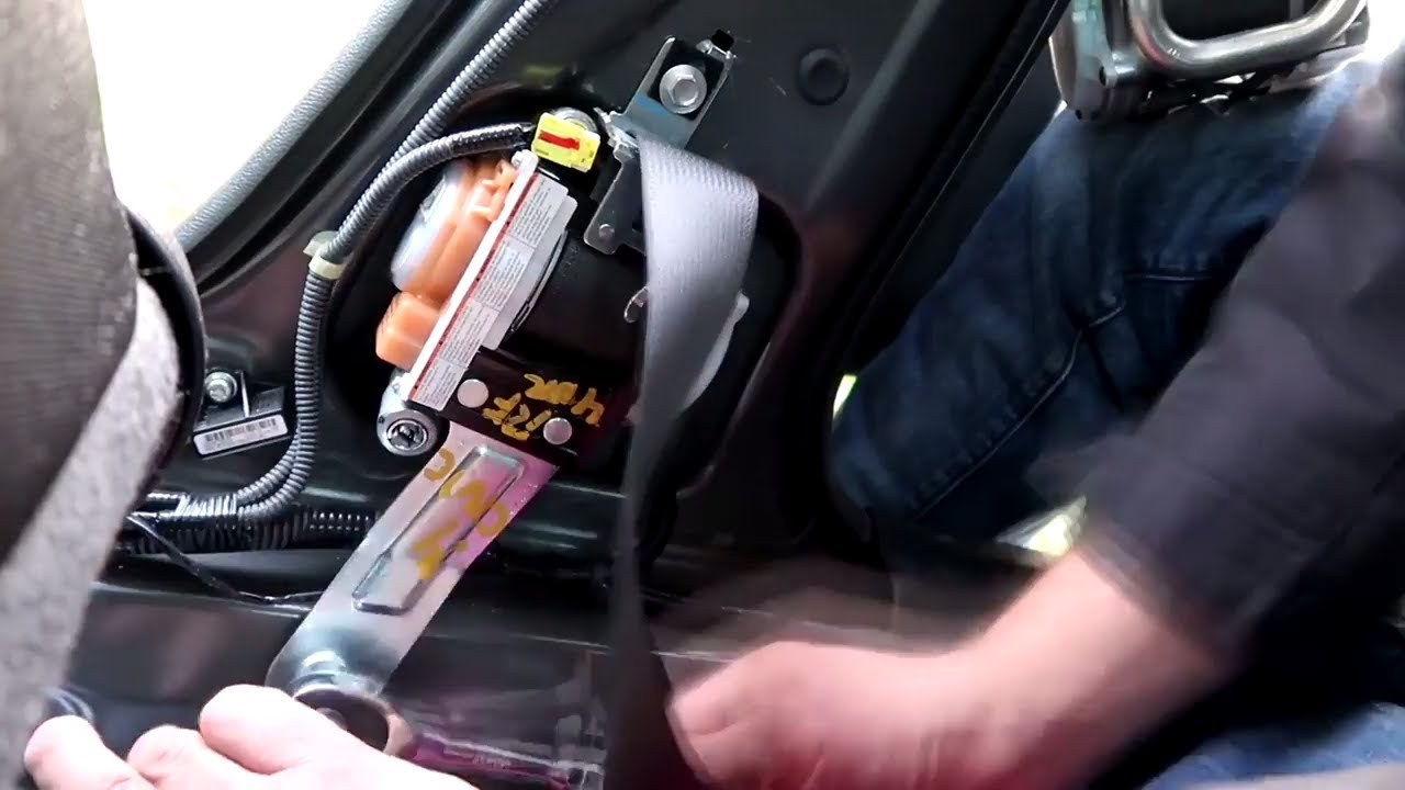 how to replace seat belt on a 2013 honda civic diy [ 1280 x 720 Pixel ]