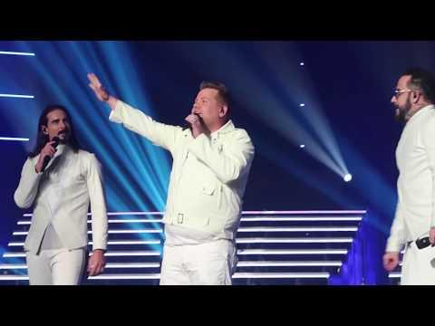 Backstreet Boys concert (with James Corden intro)