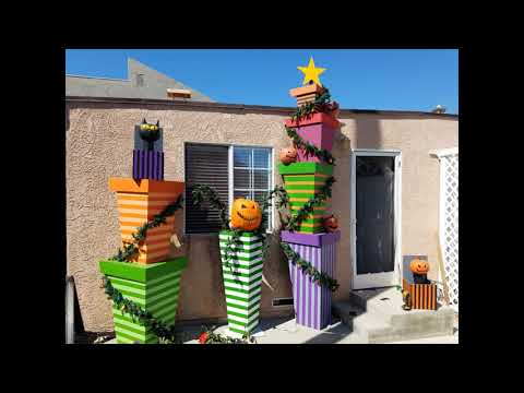 nightmare-before-christmas-themed-house-decorations