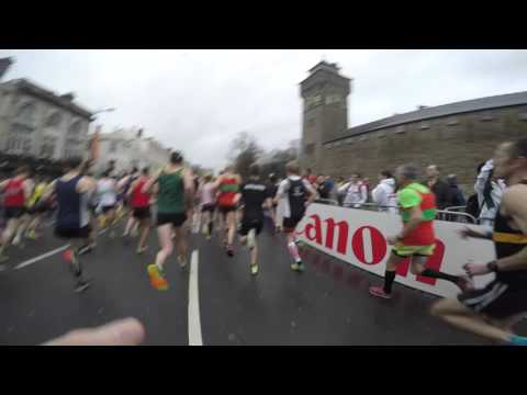 Geoffrey Kipsang Kamworor fall & recovery Cardiff 2016   runner's view