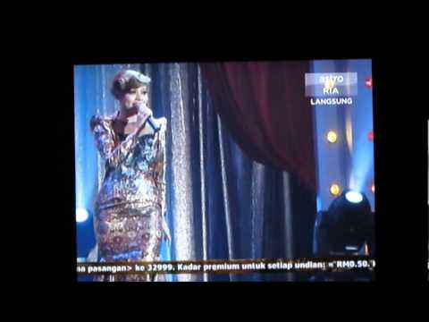 Kisah Hati - Alyah (Live) @ Mari Menari S2.
