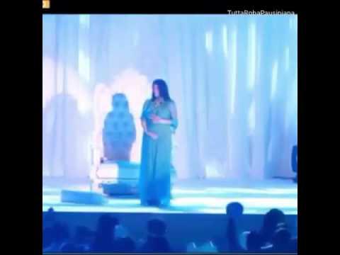 Laura Pausini Celeste Party  annuncia la gravidanza