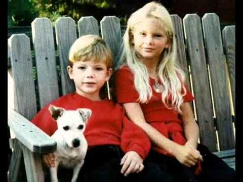 Taylor Swift ChildHood and Family Photos