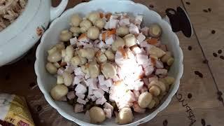 Салат с копченой курицей и салат с ананасами
