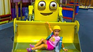 Indoor Playground of Bob the builder and Tomas Entertainment for kids / compilation