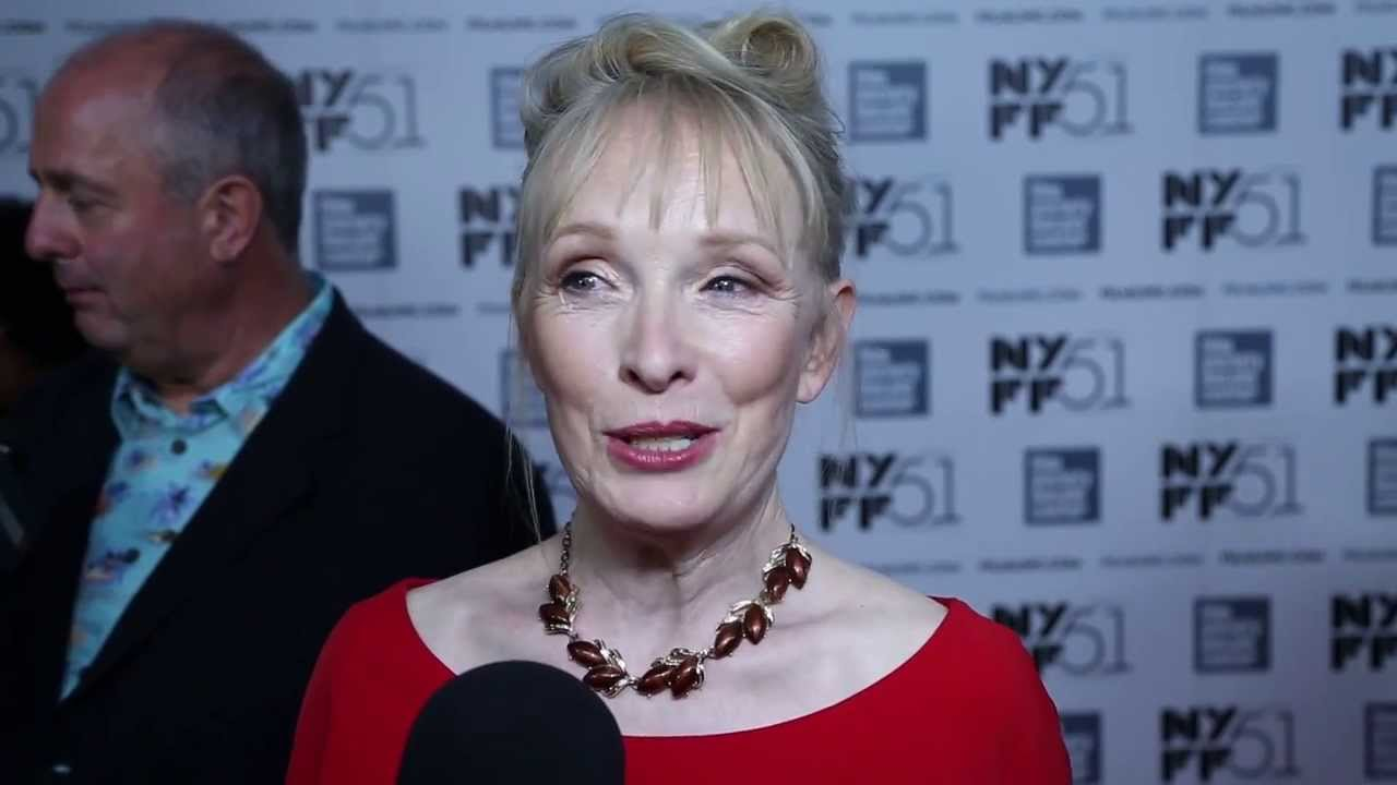 "NYFF51: Lindsay Duncan | ""Le Week-End"" Red Carpet"