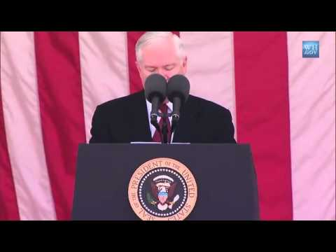 Secretary Robert Gates Introduces President Obama At Memorial Day Ceremony