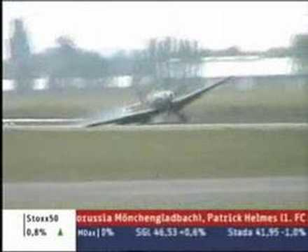 Me-109 G10 Landing mishap at ILA 2008 in Berlin