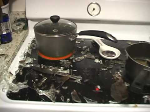 Pyrex Glass Pan Exploding In My Kitchen Youtube