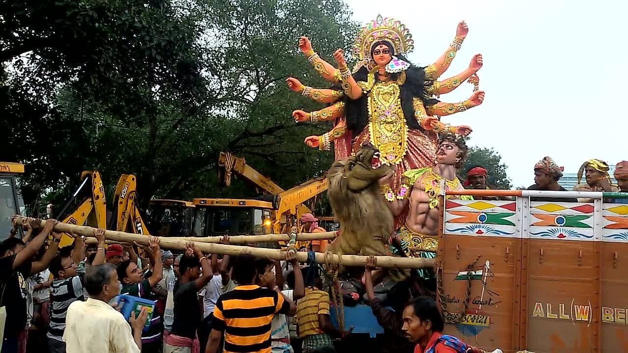 Durga Puja 2014 - Durga immersion (visarjan) scenes on Dashami at Babughat  (pt 2)