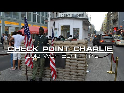 Checkpoint Charlie / Berlin