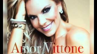 Amor Vittone plays 'Heads up' Game