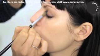 Zuneta presents BECCA ¬ Romantacism Eye Tint