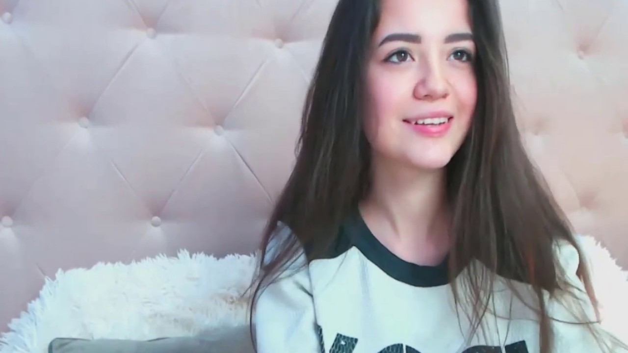 sweet gril cute fashion live webcam girl chat chaturbate