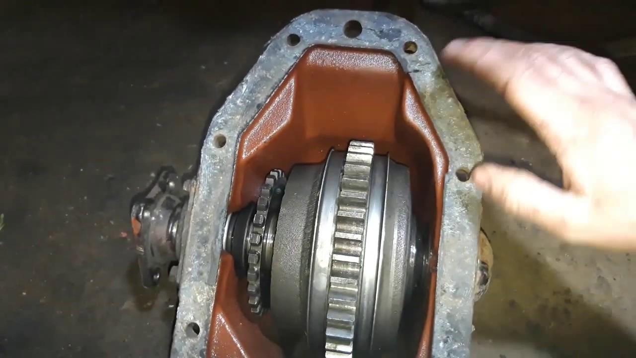 МТЗ-82 ремонт КПП ч.1. Обнаружил причину тарахтения.