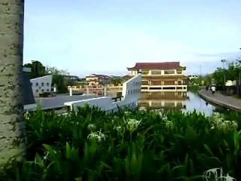 Malaysia-China Friendship Garden ~ by: http://yeskuching.com/ ~