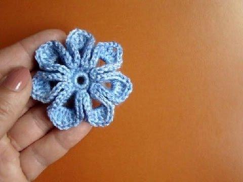 Видео как связать цветок на шапку крючком видео