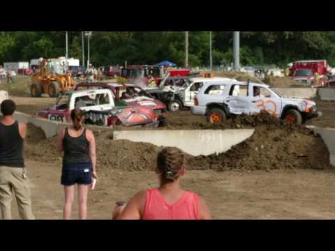 McHenry County Demolition Derby 2016 SUV/MINI VANS