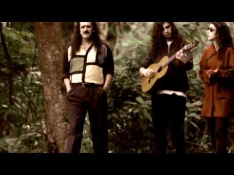 Music video by Marisa Monte, Moraes Moreira performing Chuva No Brejo. © 2004 Monte Criação E Produção Ltda