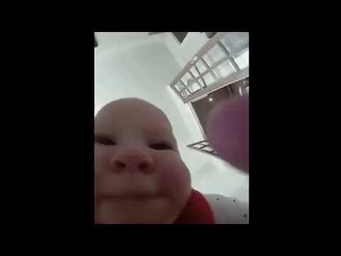 Мем младенец сожрал камеру meme child ate camera you died