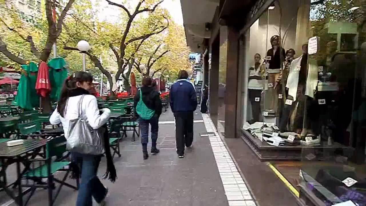 Por Las Calles De Mendoza Argentina Thru The Streets Of