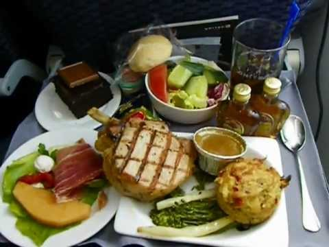 United airlines 787 8 food service lunch free in coach for American continental cuisine
