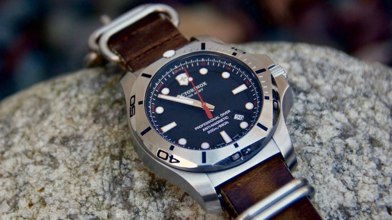 Affordable Swiss Diver Victorinox I N O X Professional Diver