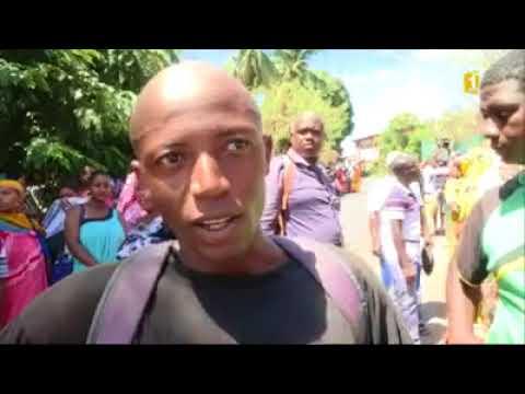 Mayotte: Tensions devant le bureau des étrangers à la préfecture.