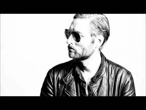 Mark Stoermer Interview