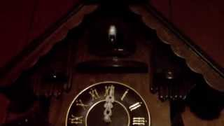 LISTEN to my POOR DYING Cuckoo clock!!