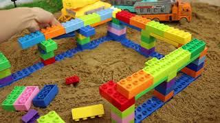 Đồ Chơi Xếp Hình Sáng Tạo | Xây Dựng Một Ngôi Nhà Lớn | Using Blocks To Build A Big House