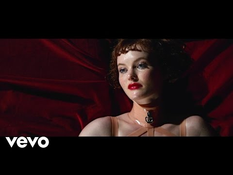 Video: Kacy Hill - Like A Woman