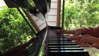 空気公団の「休日」を歌った時の動画です。 緑がとってもきれいで、歌詞...