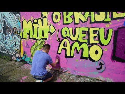 GRINGOS FAZEM GRAFFITI no BECO DO BATMAN! (no Beco do Aprendiz)