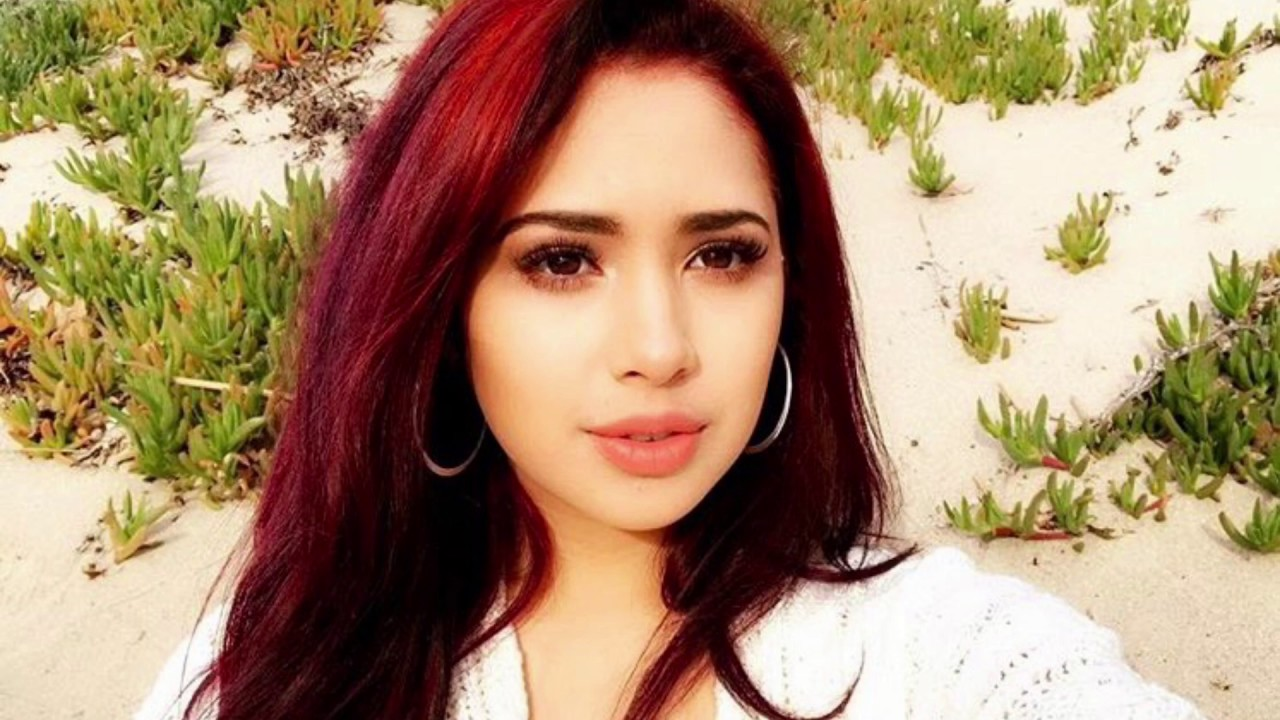 Watch Jasmine V video