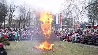 Масленица-2020. В Солигорске сожгли чучело Зимы