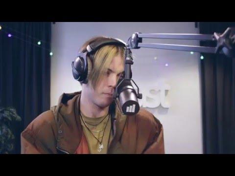 Anton Kristiansson - girl$ (Live @ East FM)