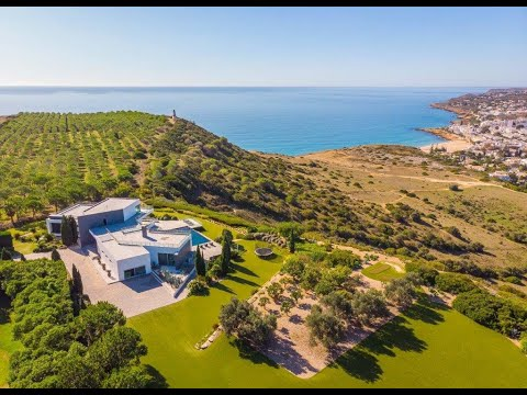 Stunning cliff top mansion with panoramic sea views for sale in the Algarve, Portugal