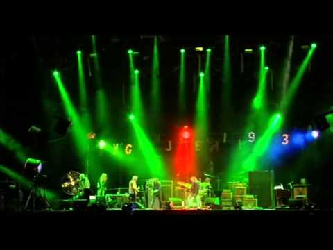 Neil Young Down by the River live at Hard Rock Calling 2009 - UNCUT