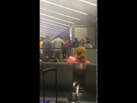 Jet blue passenger gets kicked off his flight and arrested