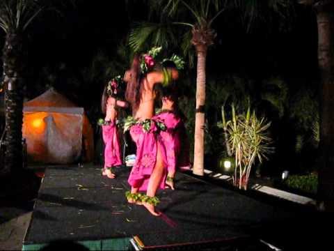 Sexy tahitian dance