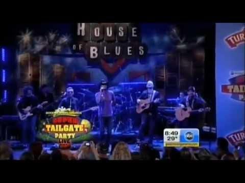 Tim McGraw - Felt Good on My Lips[Live]