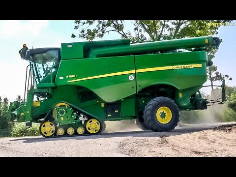 Monster machine! New John Deere combine harvester S 690 i at work!