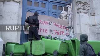 France  'Neither Macron nor Le Pen'   Students barricade school entrance in protest