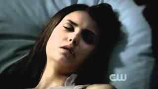 TVD 3x05 Damon saves Elena from the hospital